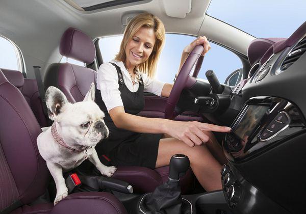 voiture femmes