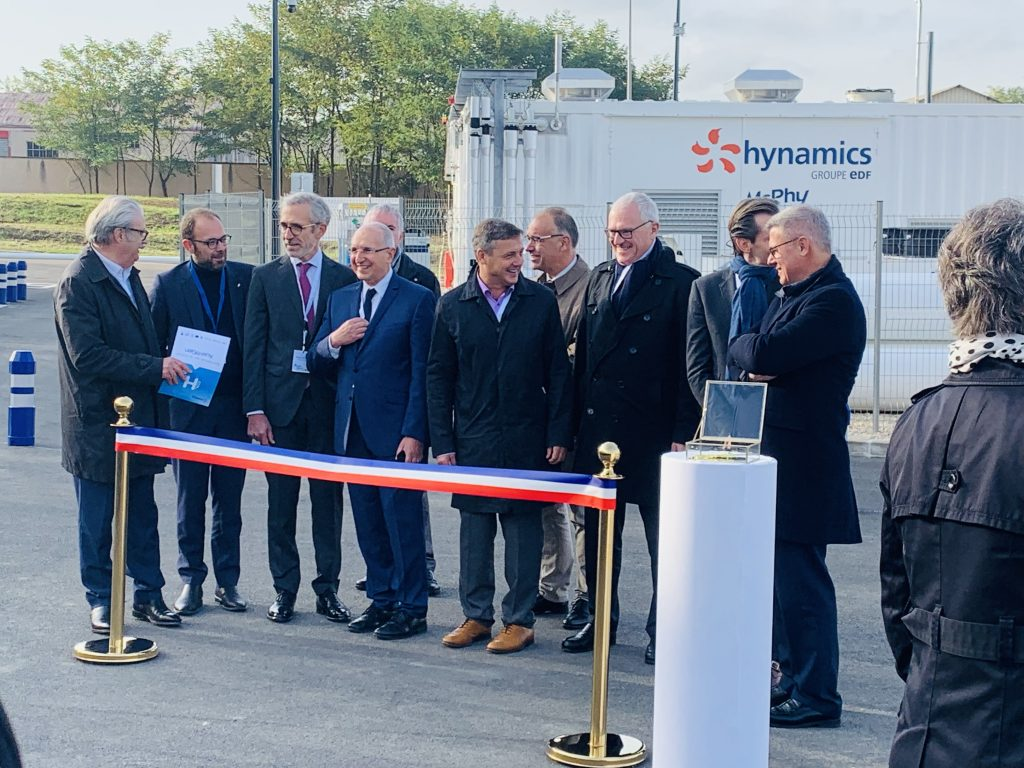 Inauguration de la station Auxhygen par le maire d'Auxerre Crescent Marault : hydrogène vert